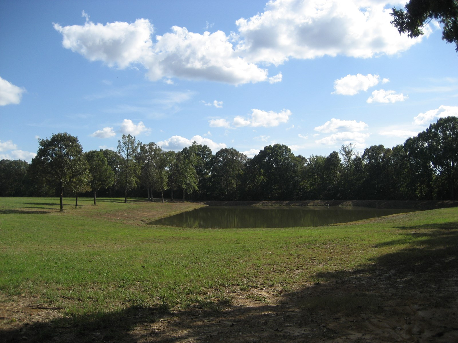 FARM FOR SALE IN TN - 2 PONDS, UNRESTRICTED LAND, HUNTING