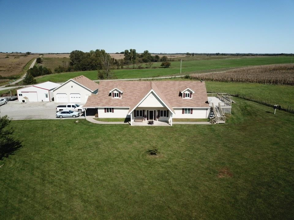 Beautiful Country Home w Open Floor Plan. 3.63 Acres, Fenced