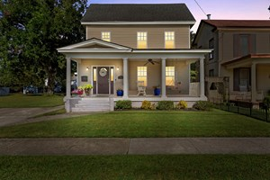 RENOVATED HOME IN DOWNTOWN ELIZABETH CITY