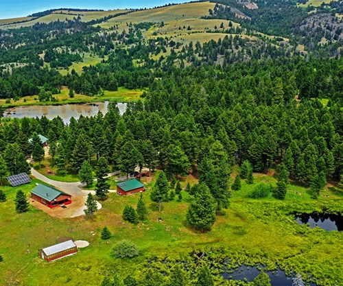 WATERFRONT HUNTING PROPERTY WITH 2 OFF GRID HOMES