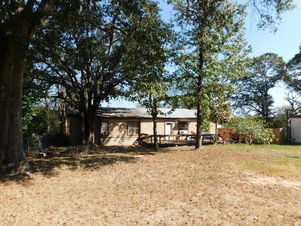 4 BEDROOM FIXER UPPER LAKE PALESTINE NEIGHBORHOOD