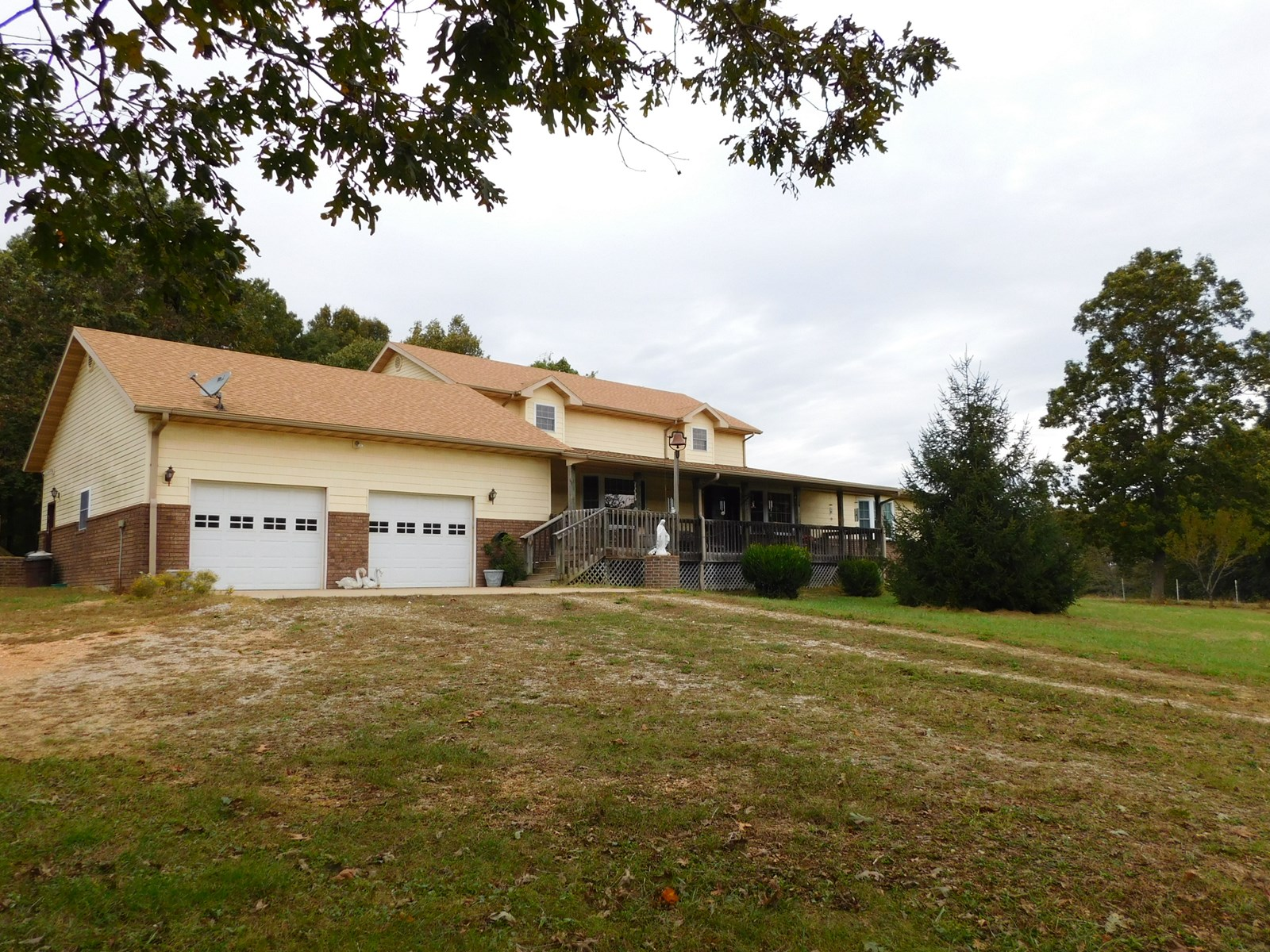 Missouri Ozarks Farm with Large Home for Sale