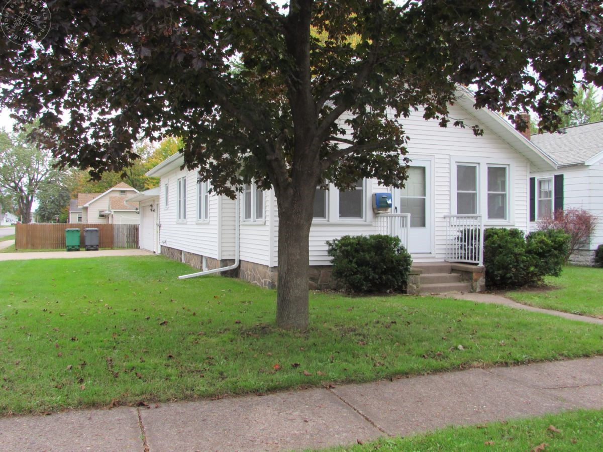 Cute Two Bedroom Home Wood County WI