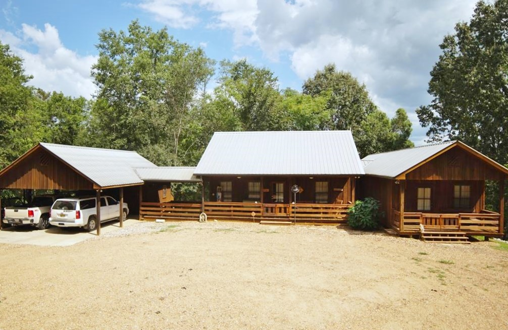 3 Bed/3 Bath Hunting Lodge 143 Acres Wilkinson Co, MS