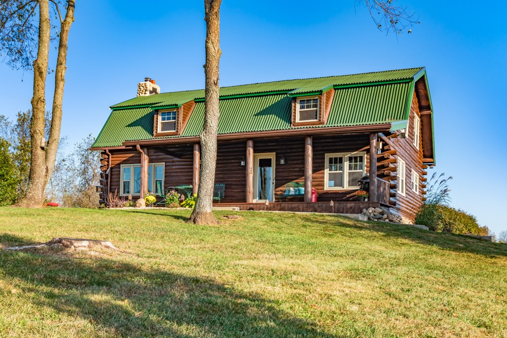 Log Home for Sale Eaton, Indiana
