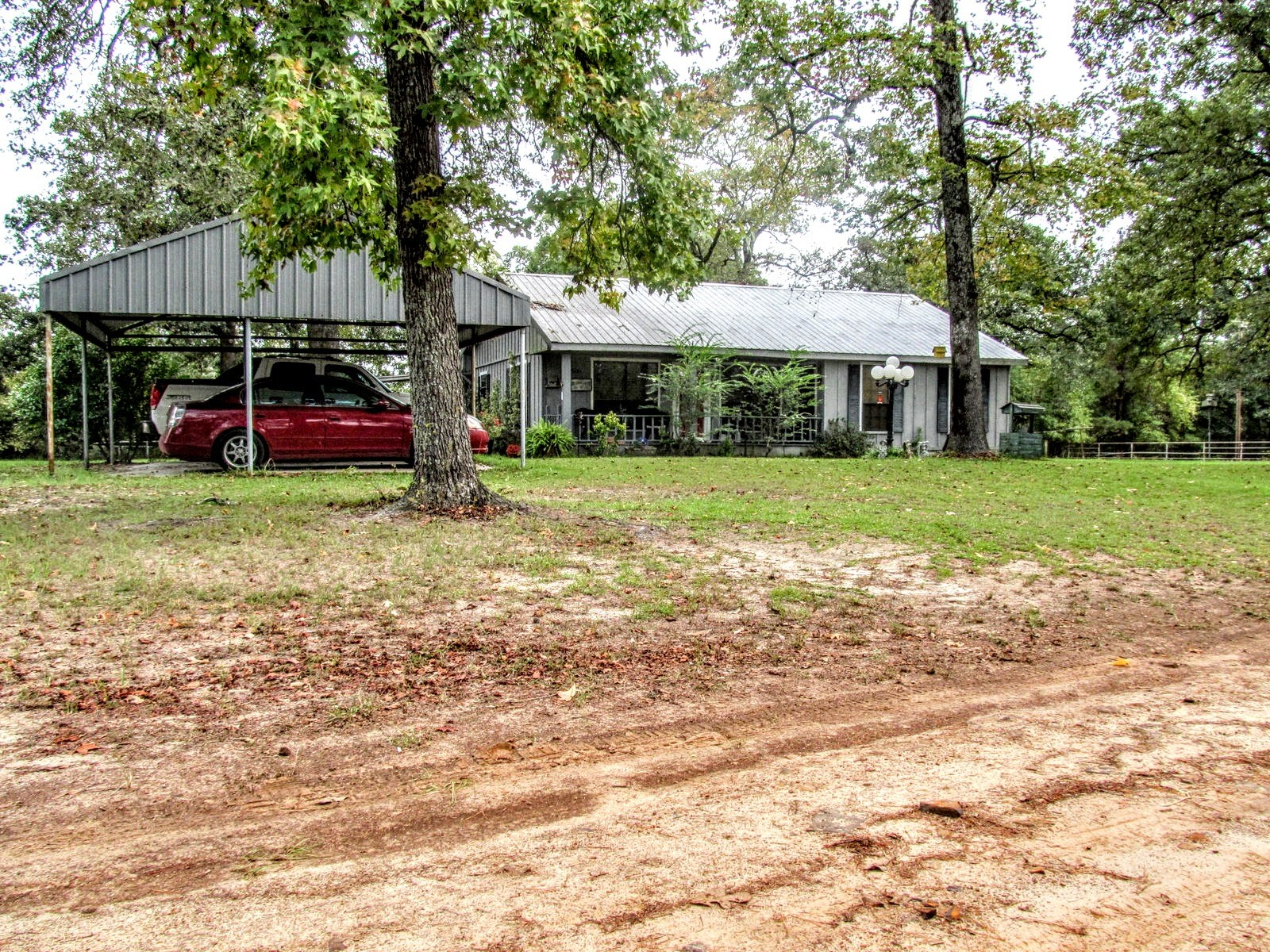 COUNTRY HOME ON 4 ACRES - WINNSBORO - EAST TEXAS