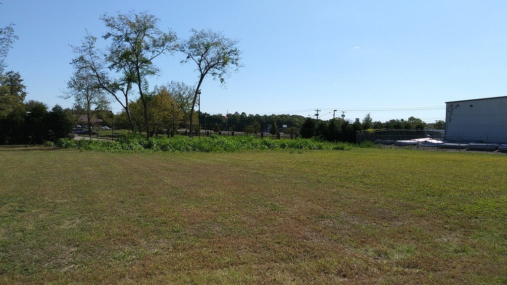 Commercial Lot for Sale in Columbia, Tennessee