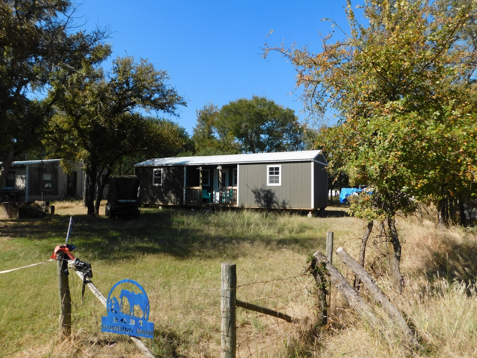 CABIN AT LAKE BROWNWOOD TEXAS WITH VIEW OF LAKE