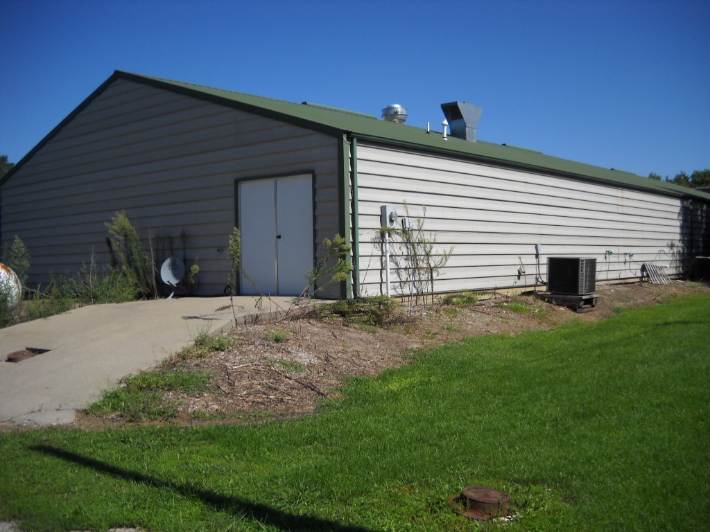 Commercial Building for Sale Near Swan Lake Wildlife Reserve