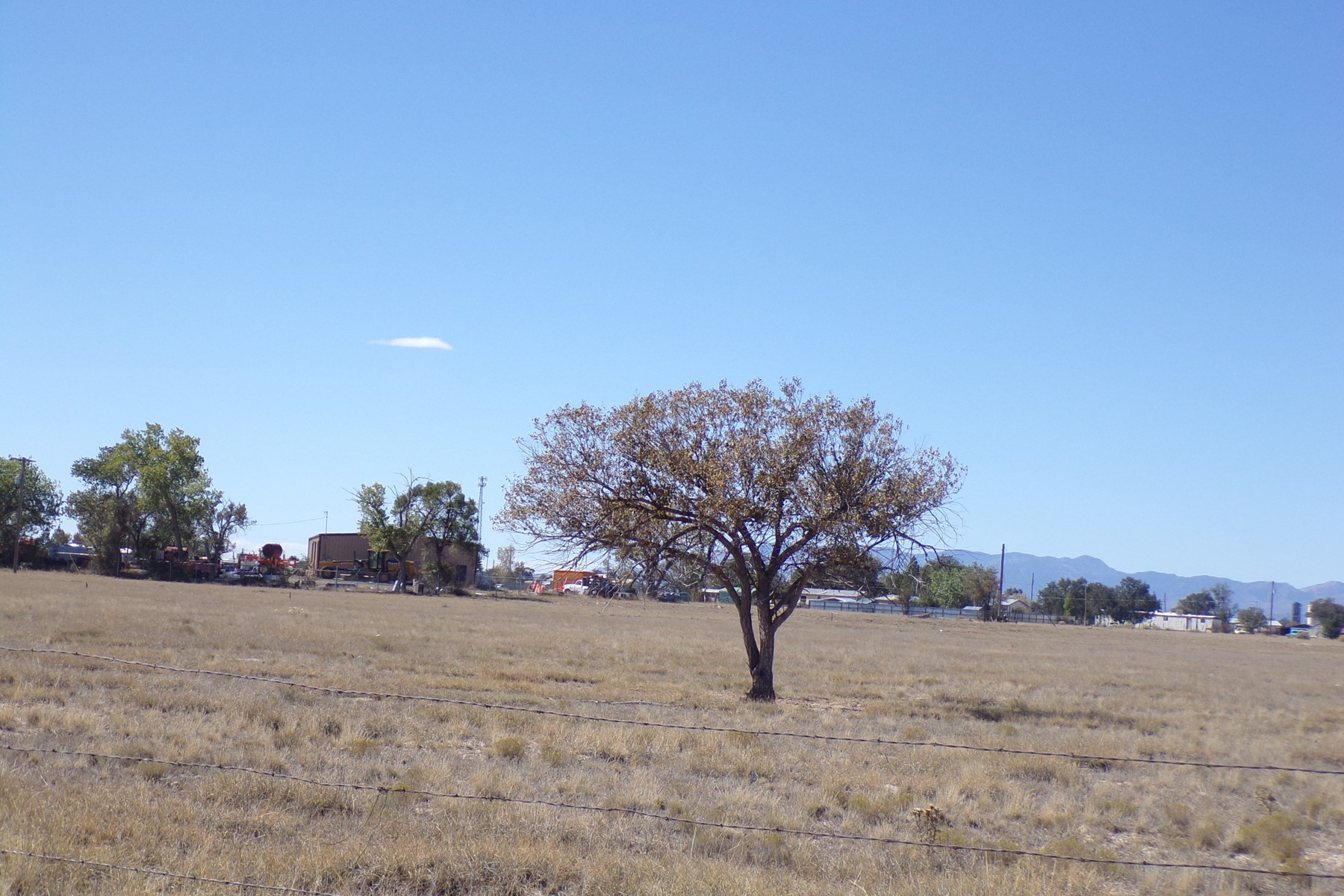 Estancia NM Prime Location 75 Acres For Sale On Paved Street