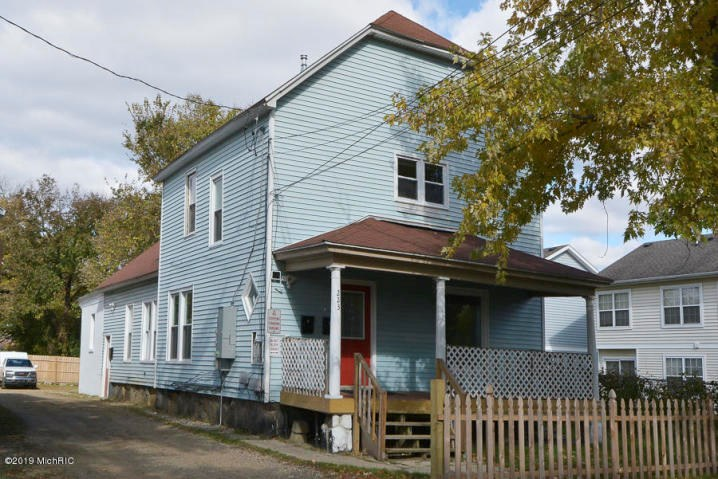3 Unit Multi-family Opportunity in Kalamazoo