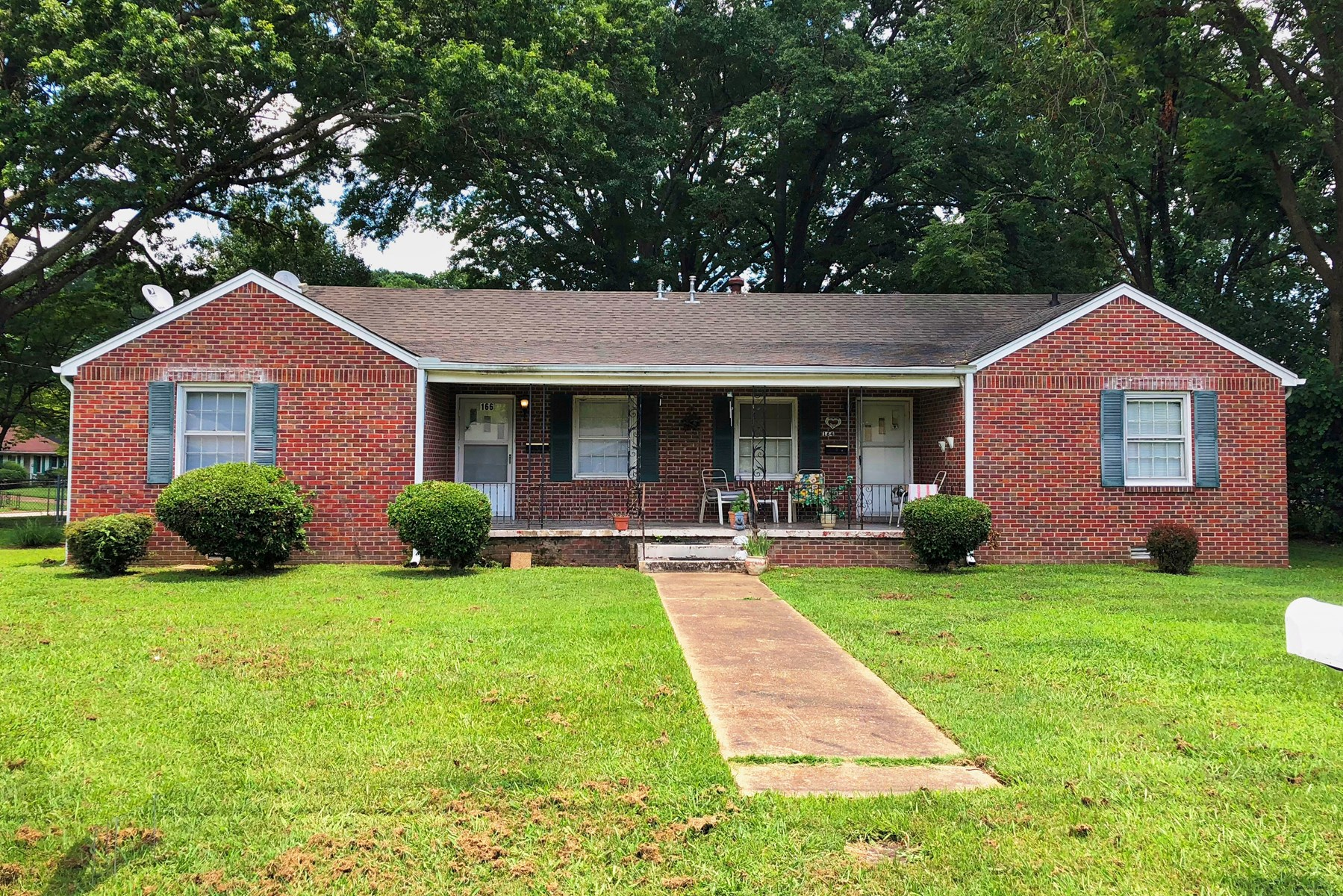 5 BR 3 Ba, Brick Duplex w/ Rental Income in Jackson TN,
