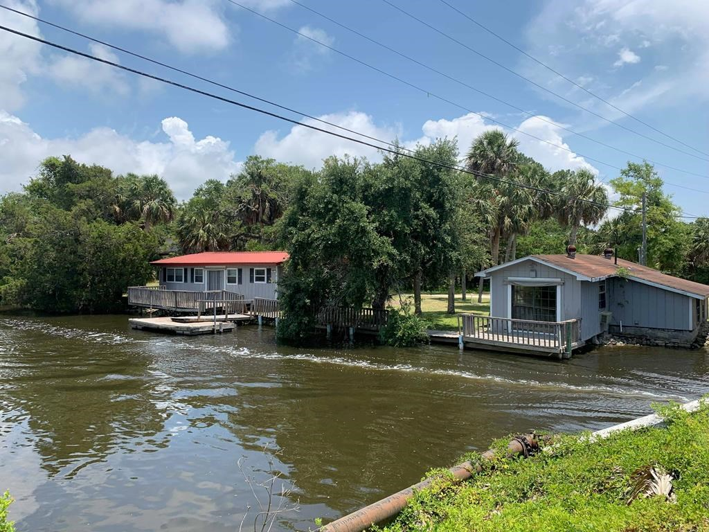 SUWANNEE WATERFRONT HOME FOR SALE Suwannee River, Florida
