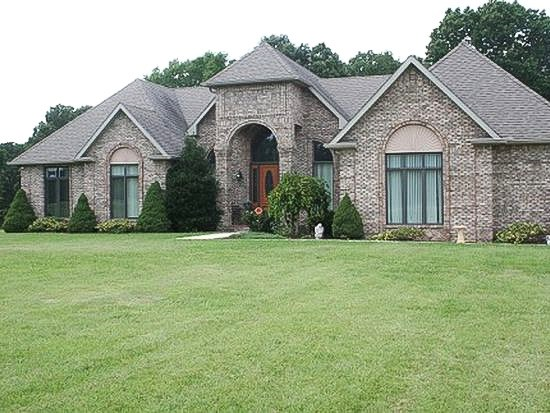 Gorgeous Country Home Located Minutes from the TN River