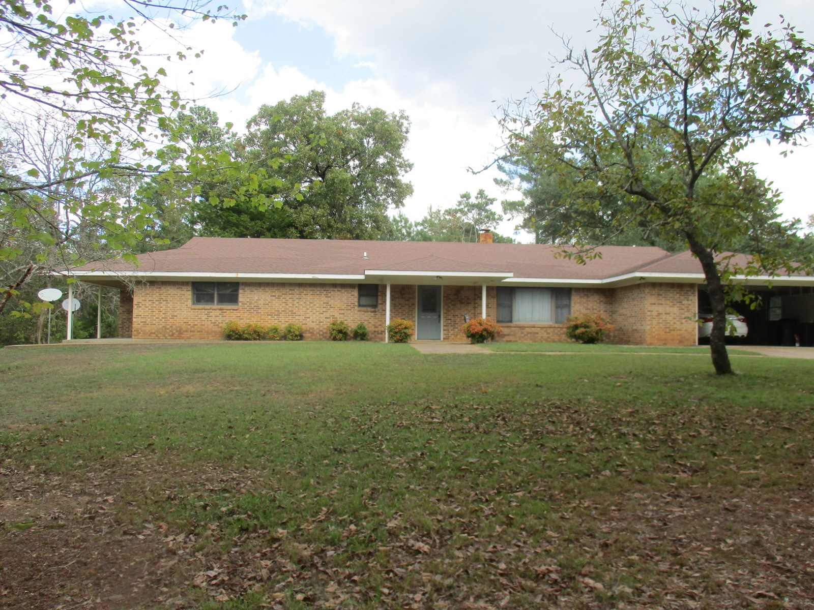 East Texas Home & Acreage For Sale