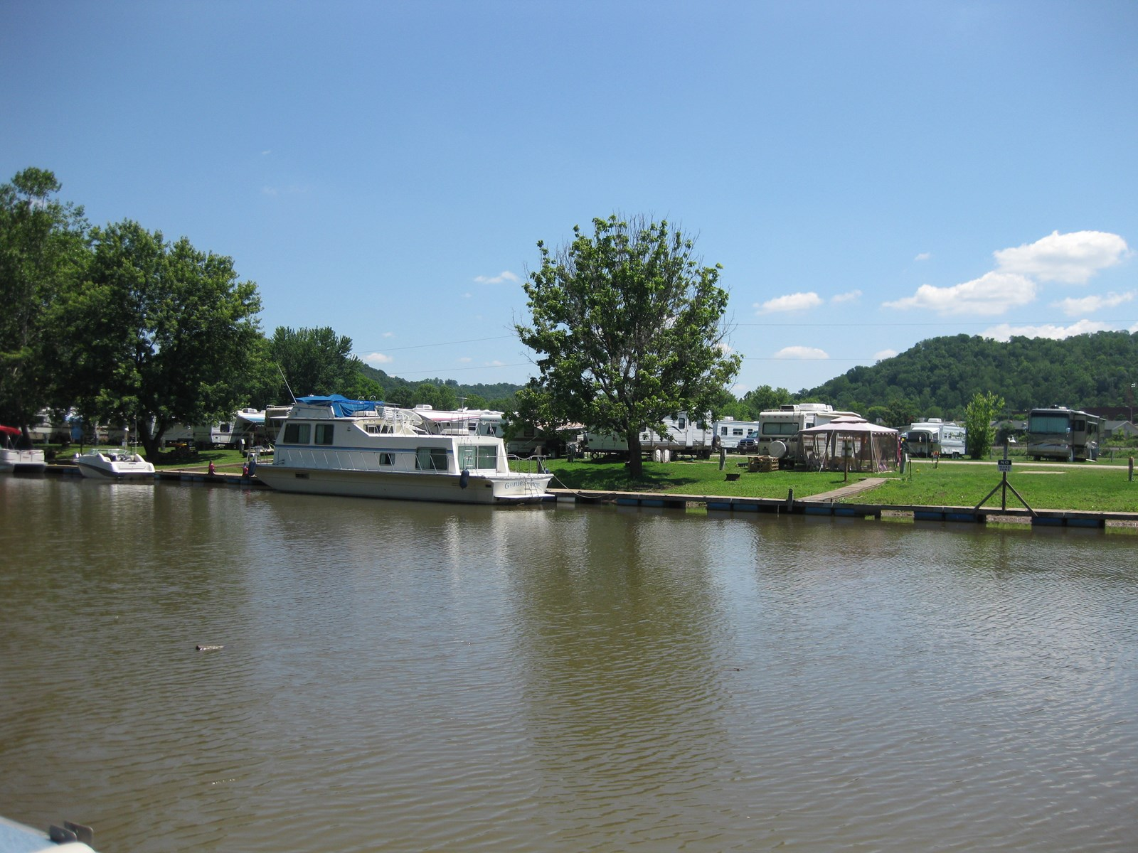 Waterfront RV Campground in St. Marys WV