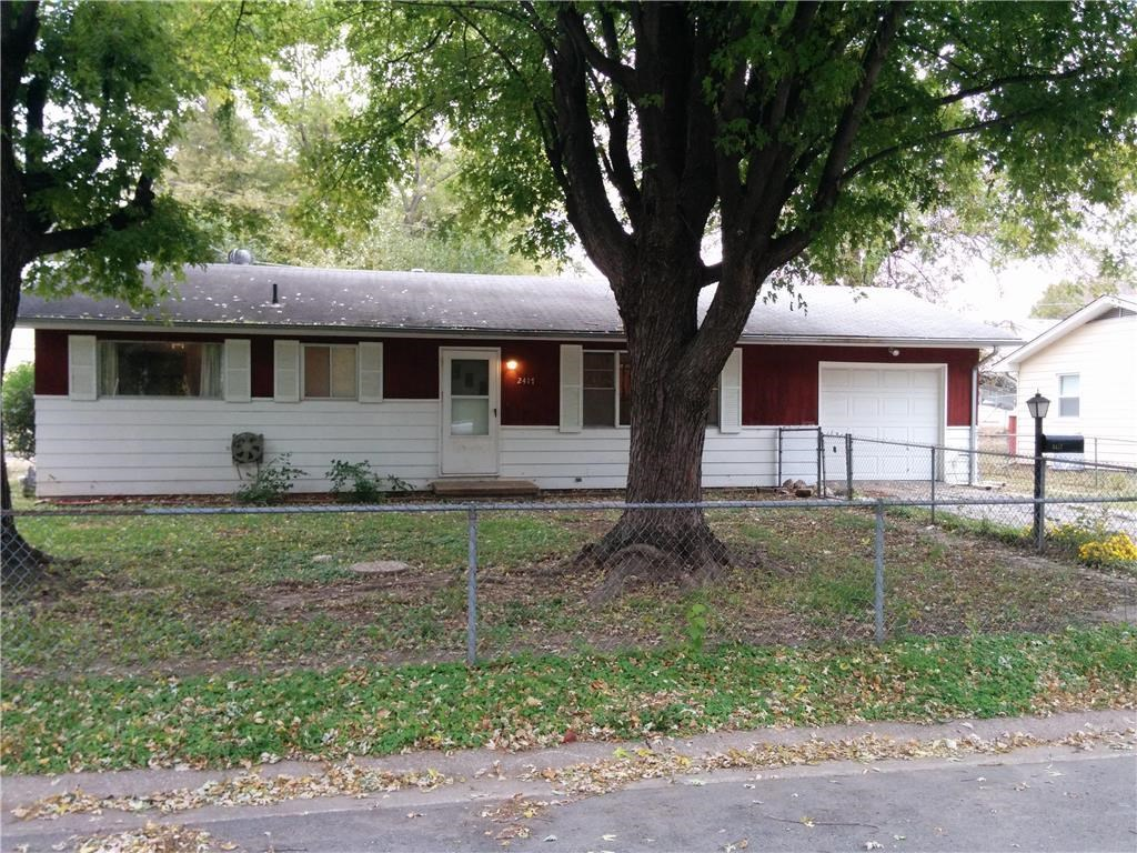 3 Bed Ranch Home in Quiet Neighborhood. Fenced Yard & Garage