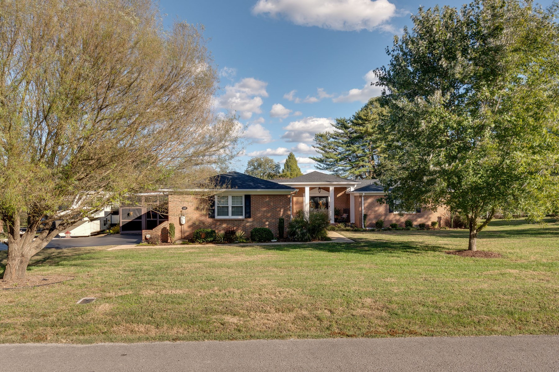 All Brick 4 Bedroom Home for Sale in Columbia, Tennessee
