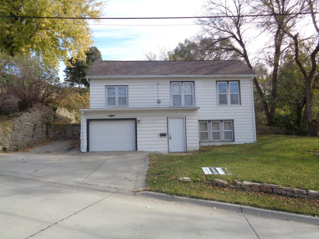 For Sale 3 Bed/2.5 bath home in Mo Valley Iowa Many Updates