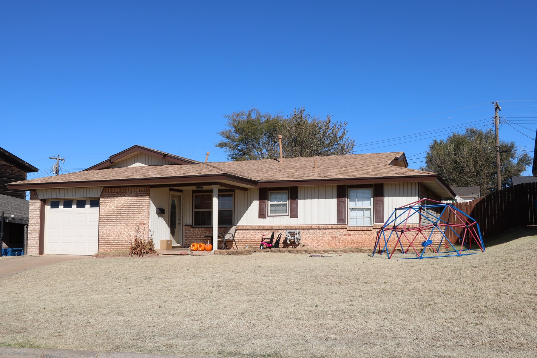 House for Sale in Cordell, OK