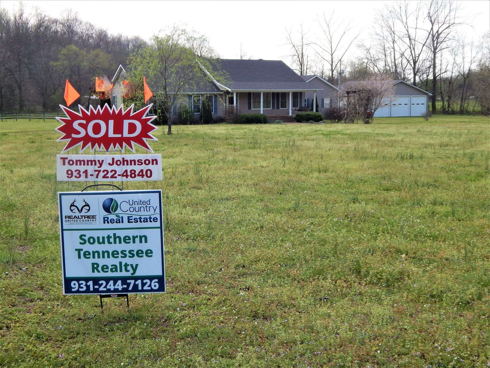 SOLD!! Tennessee Country Home, 5.3 Acres Small Horse Farm!