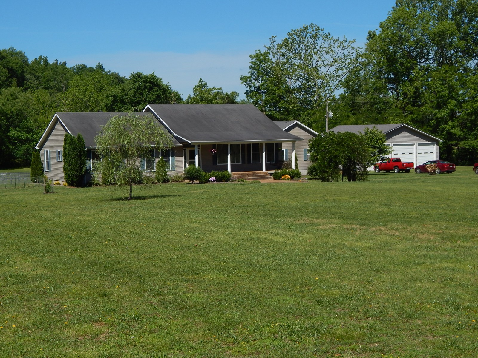 Tennessee Country Home For Sale, 5.3 Acres Small Horse Farm!
