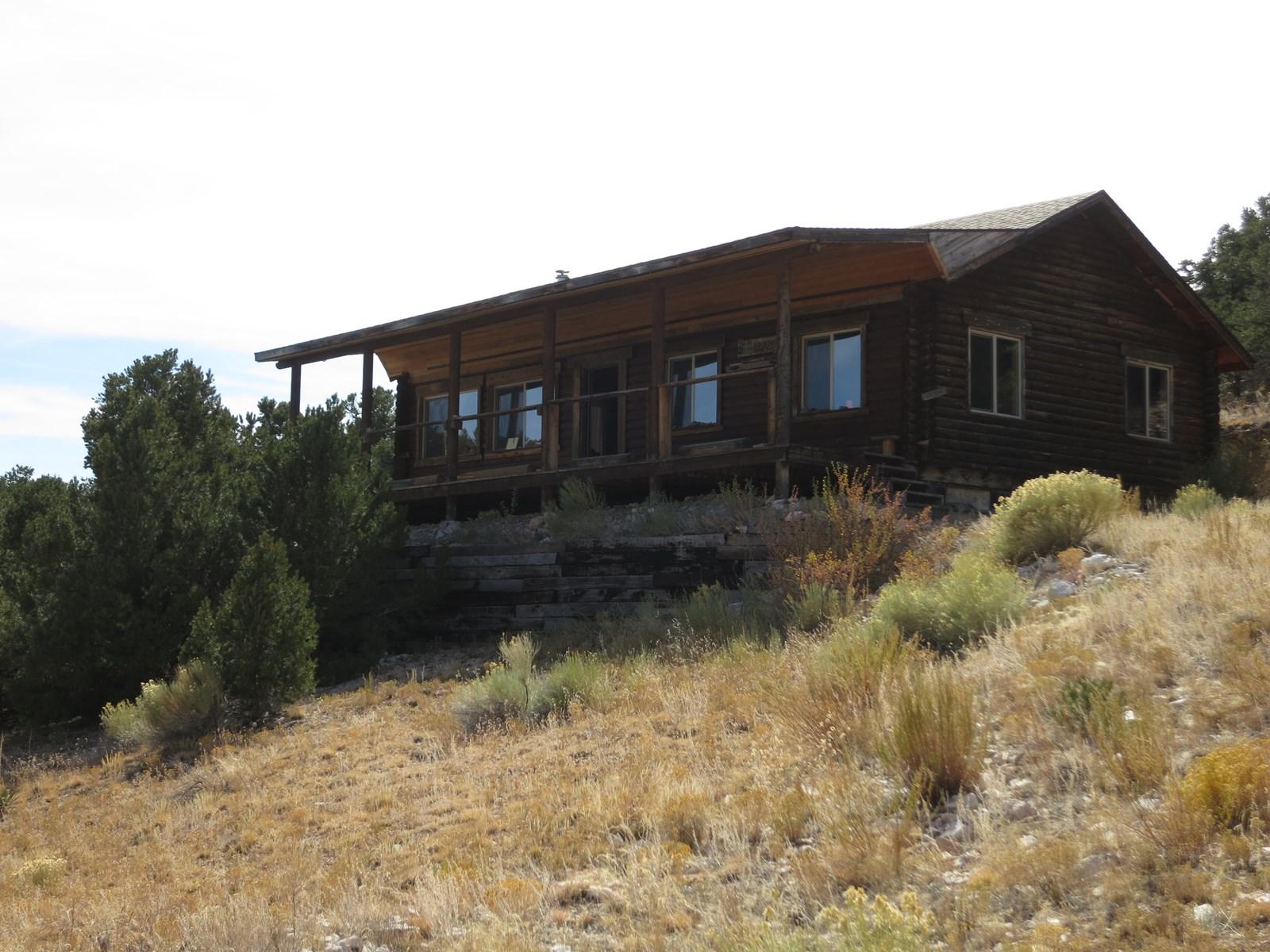 Log Hunting Cabin on 40 Acres