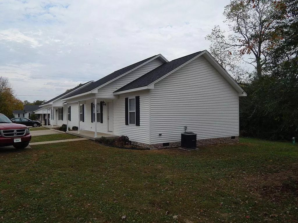 Duplex for sale in southern TN!