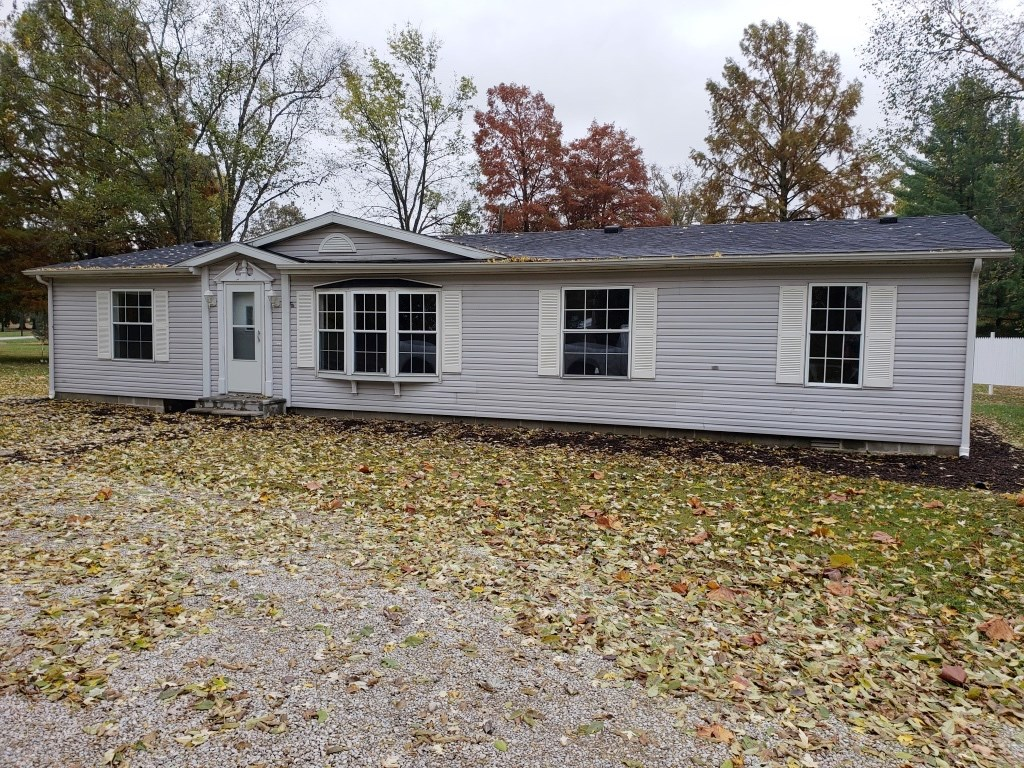 3 Bedroom, 2 Bath Home on 4 Lots, Ste. Marie, IL