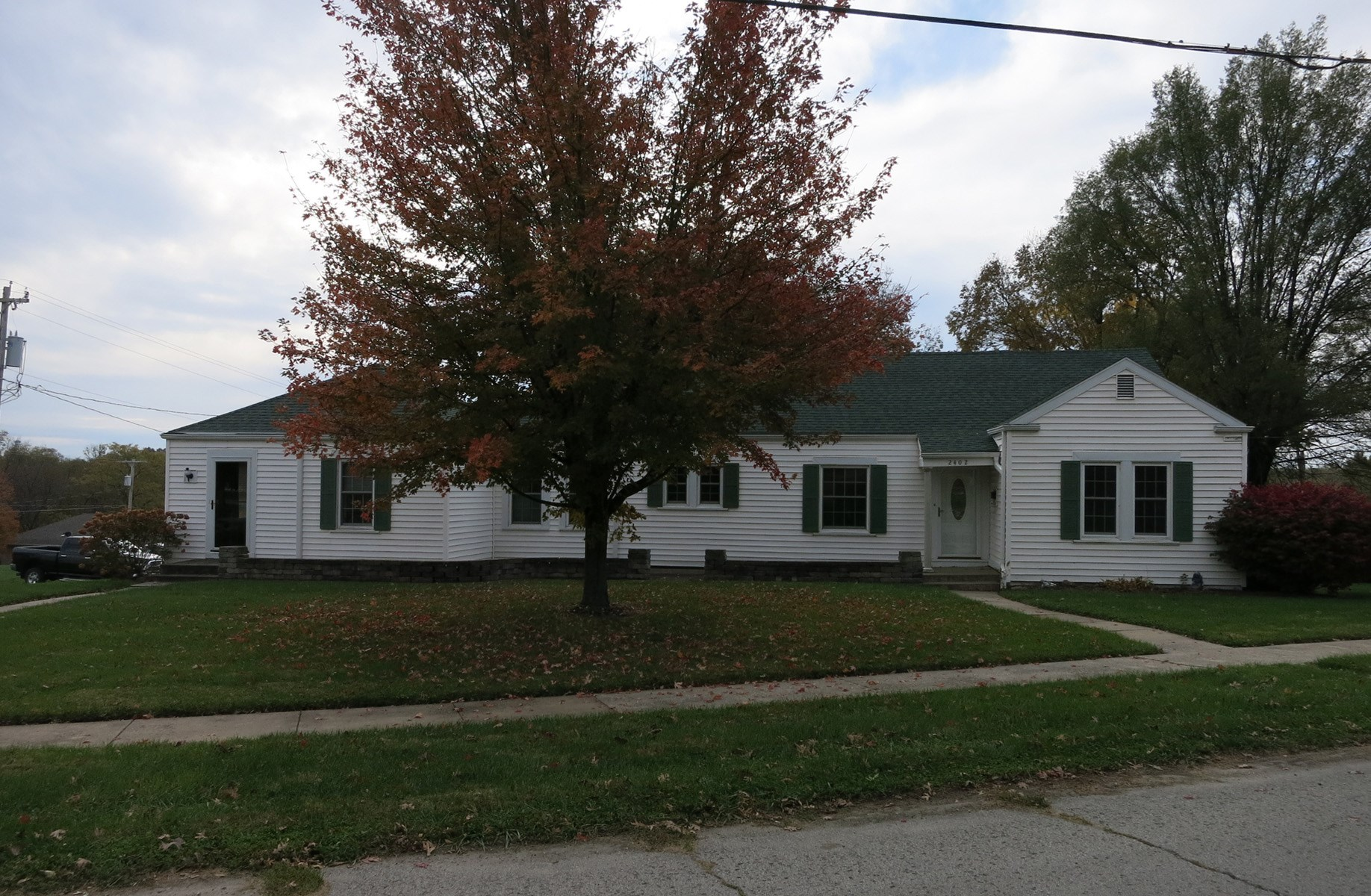 Home on Corner Lot For Sale in Bethany Missouri