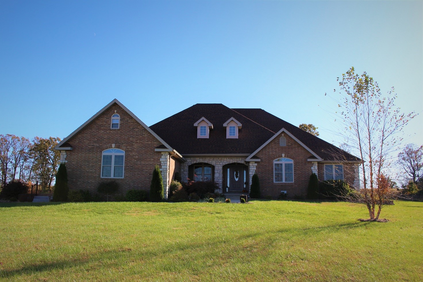Southern Missouri Brick Home on Acreage