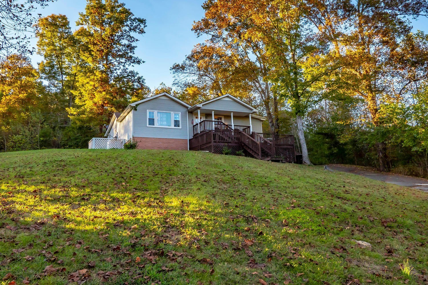 Home For Sale in Leipers Fork, TN!