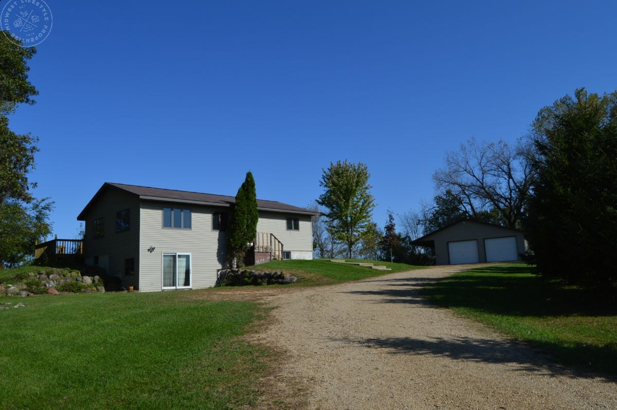 Columbia County Country Home Resting on 4+/- Acres