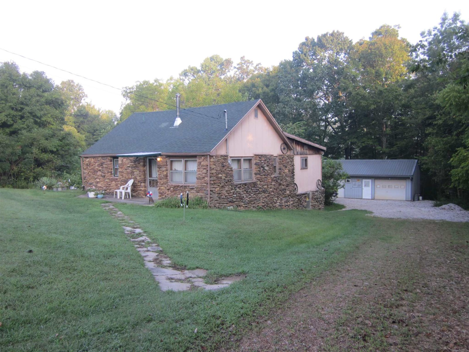 Greene County Country Home for Sale | Bloomfield, Indiana
