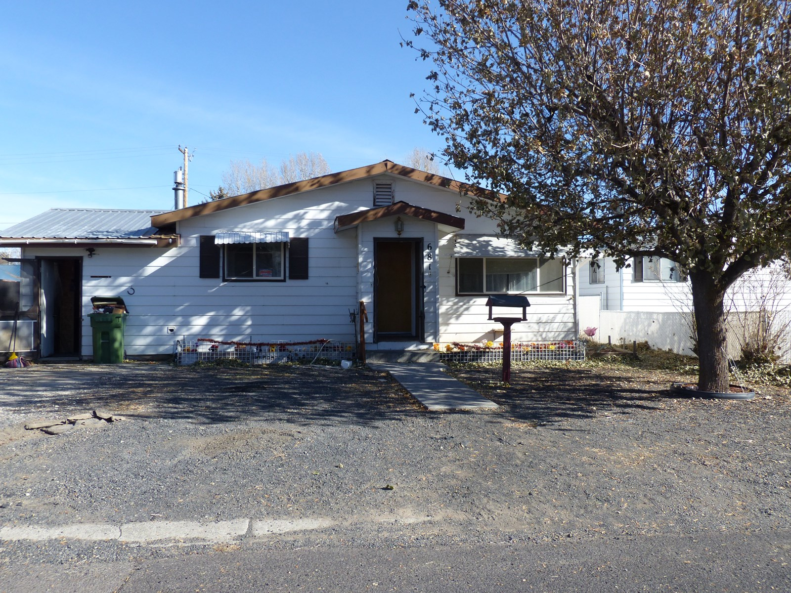 WHY PAY RENT? 3 BD, 1 BTH HOME IN BURNS