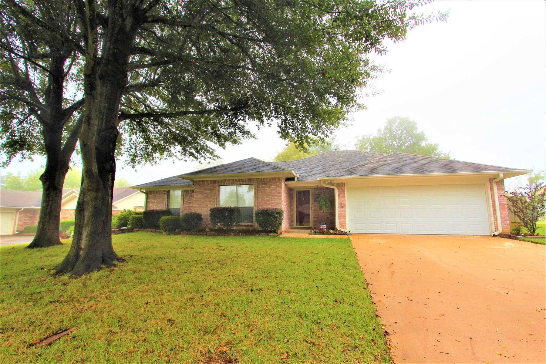 Country Home In Town Located In Paris Texas In Lamar County