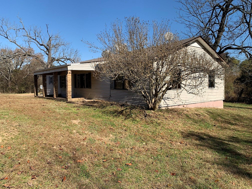 Family home for sale with 10 acres in Mount Pleasant, Arkans