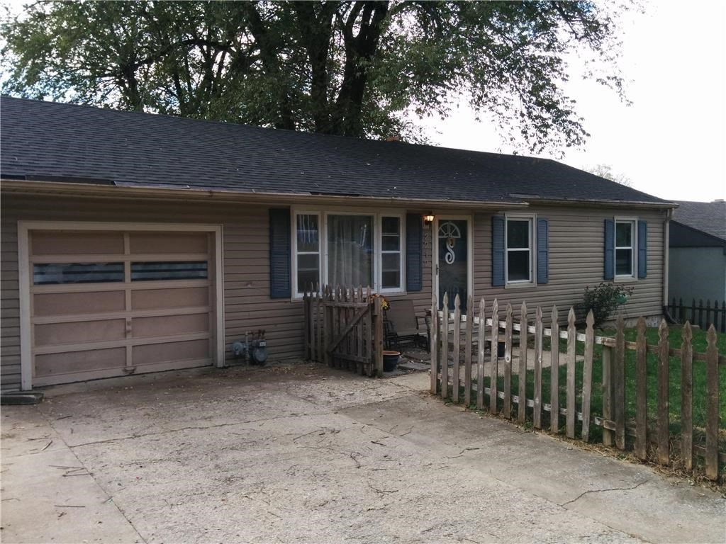 Great Level 3 Bd Ranch w/Updates, Large Yard, Move in Ready!