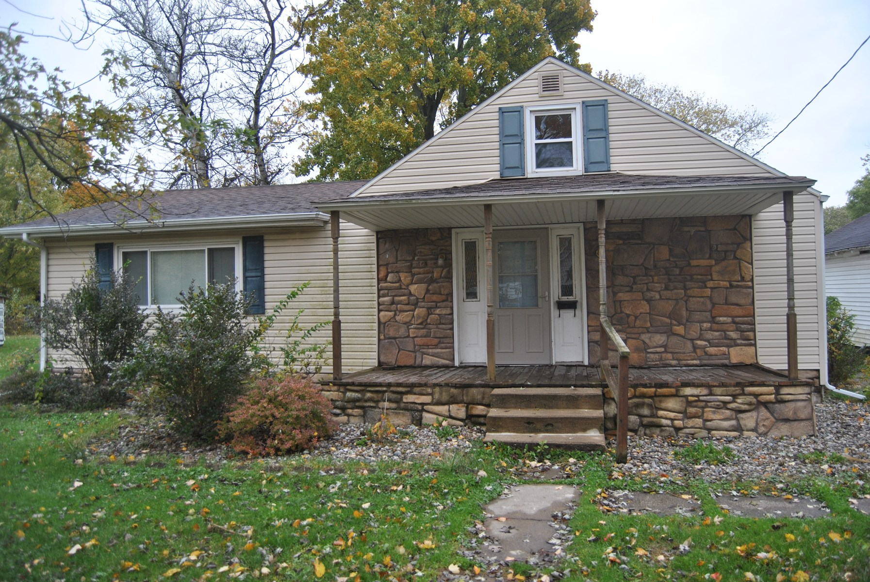 3 Bedroom, 2 Bath Home, Casey, IL