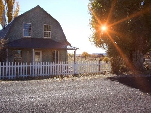 Vintage Farm House 4/bed 1/bath on 217 acres in Northeastern