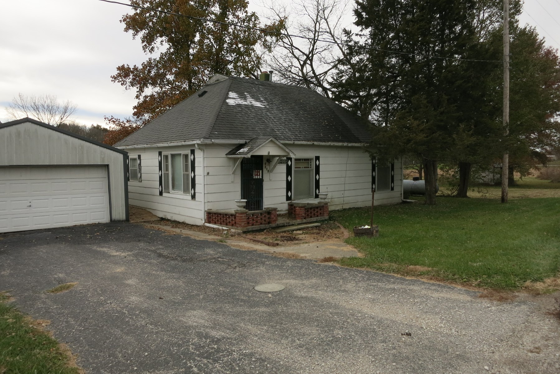 Country Home For Sale with 14 Acres