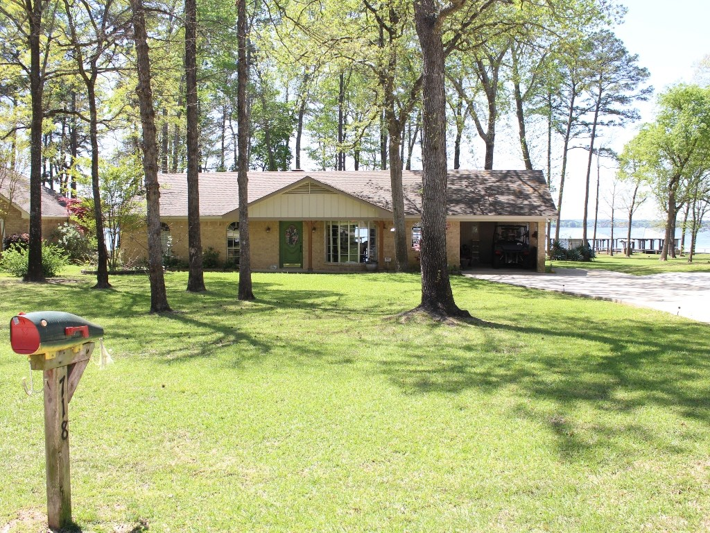 WATERFRONT HOME FOR SALE LAKE PALESTINE | VACATION HOME