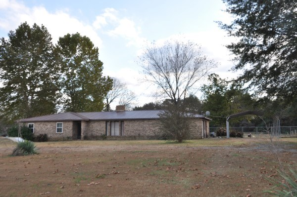 OKLAHOMA COUNTRY HOME ON SMALL ACREAGE FOR SALE