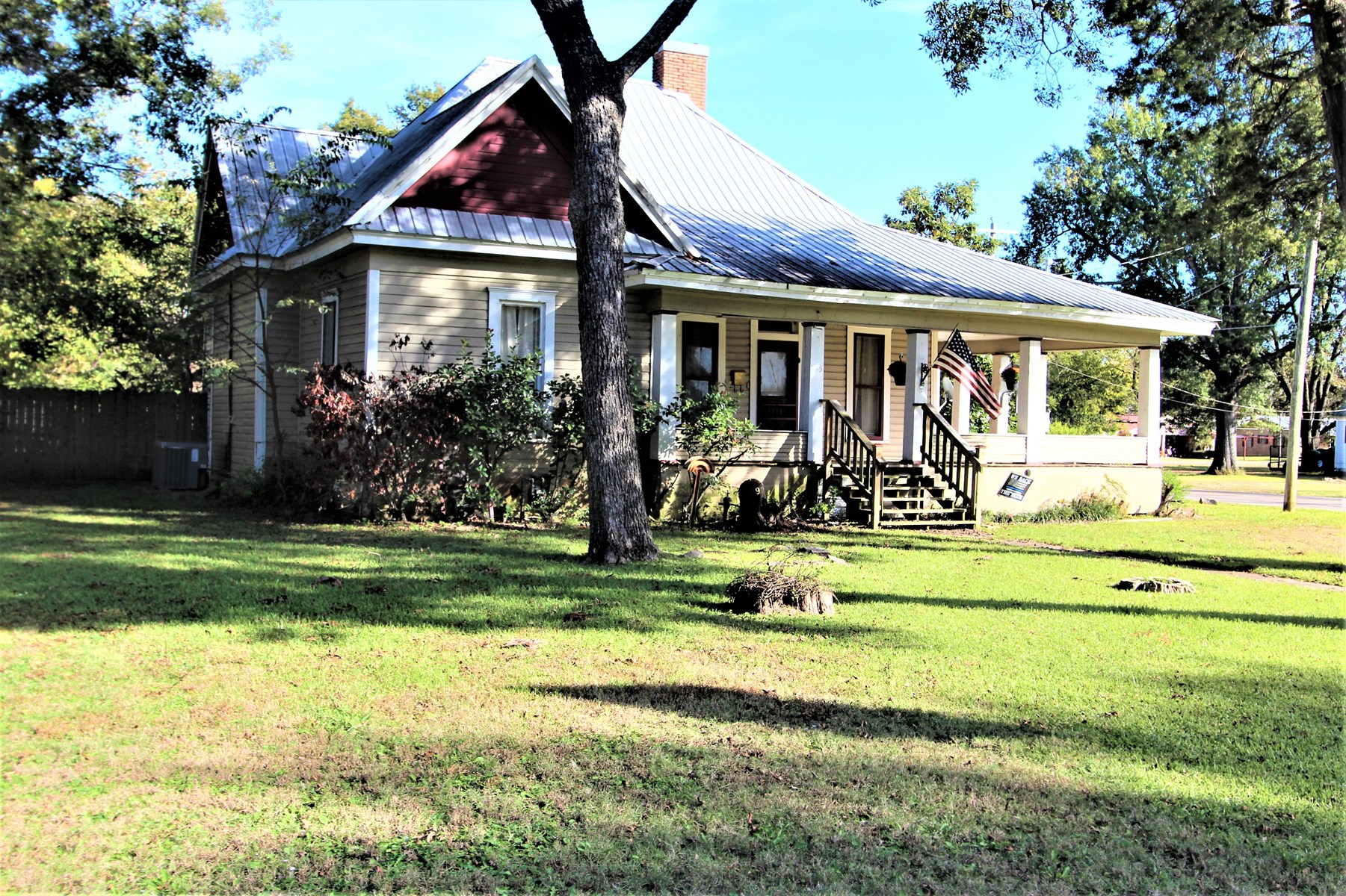 Historic Home In Town For Sale Blossom Texas Lamar County