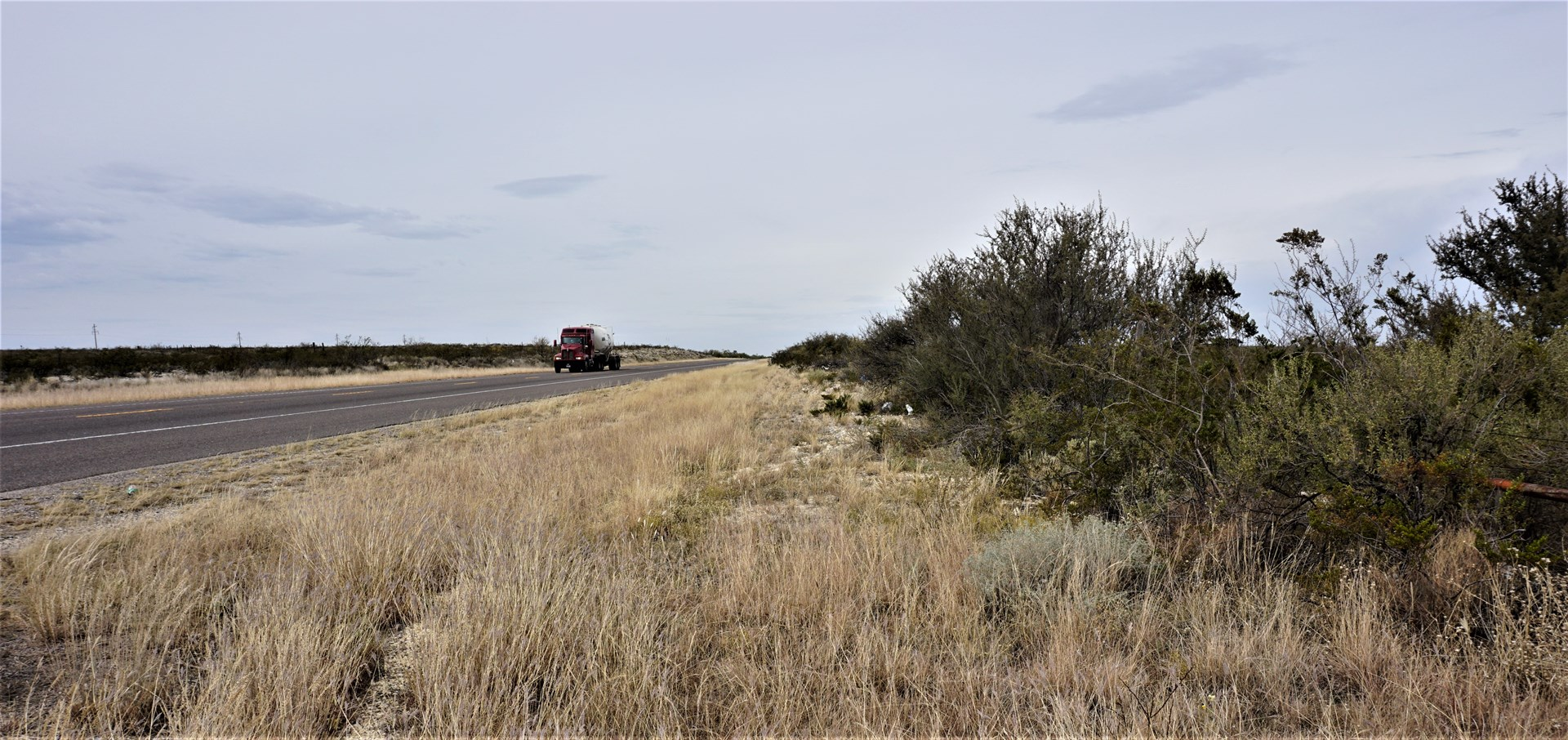 7.66 ACRES LAND NW OF FORT STOCKTON, TX FOR SALE