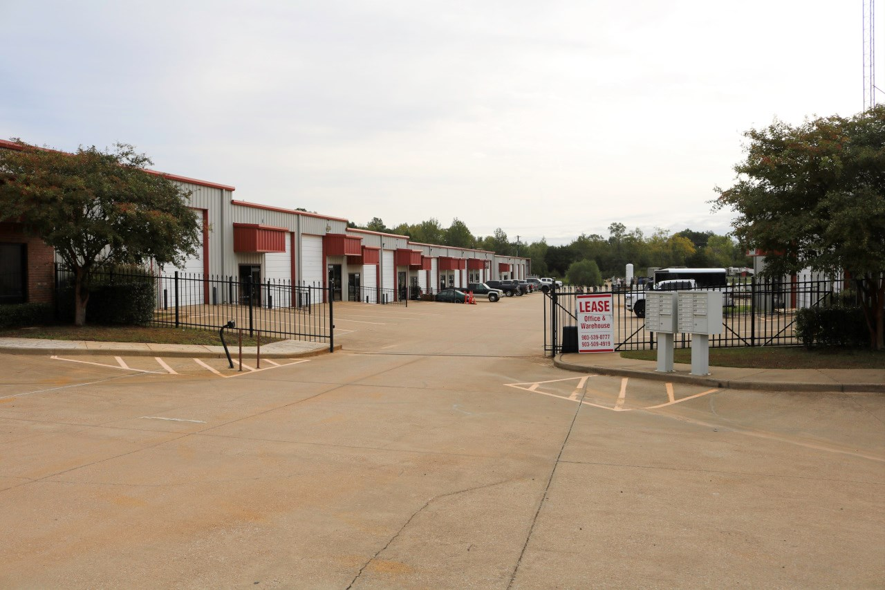 OFFICE WAREHOUSE SPACE FOR LEASE HWY 155 FLINT TEXAS