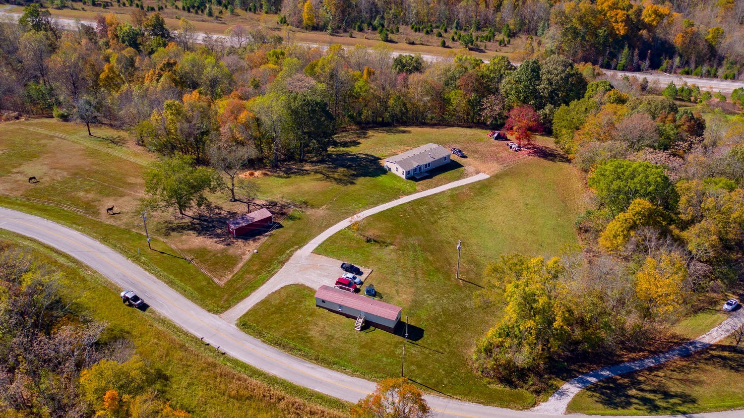 Wonderful horse farm in sought after Santa Fe Tennessee!