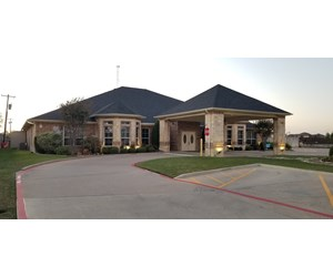 Multi-Use Commercial Building For Sale in Fort Worth, TX