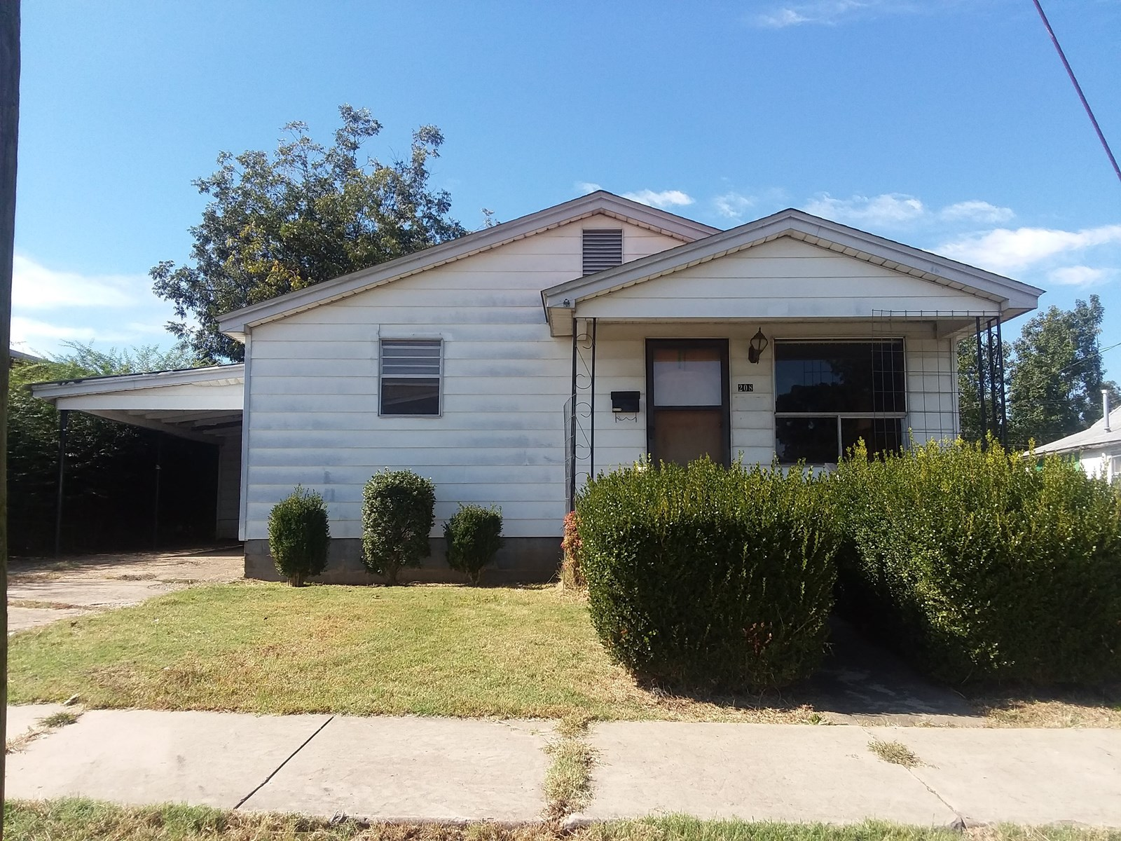 large home w/4 bedrom 2 bath Hwy 90 Rector Arknasas