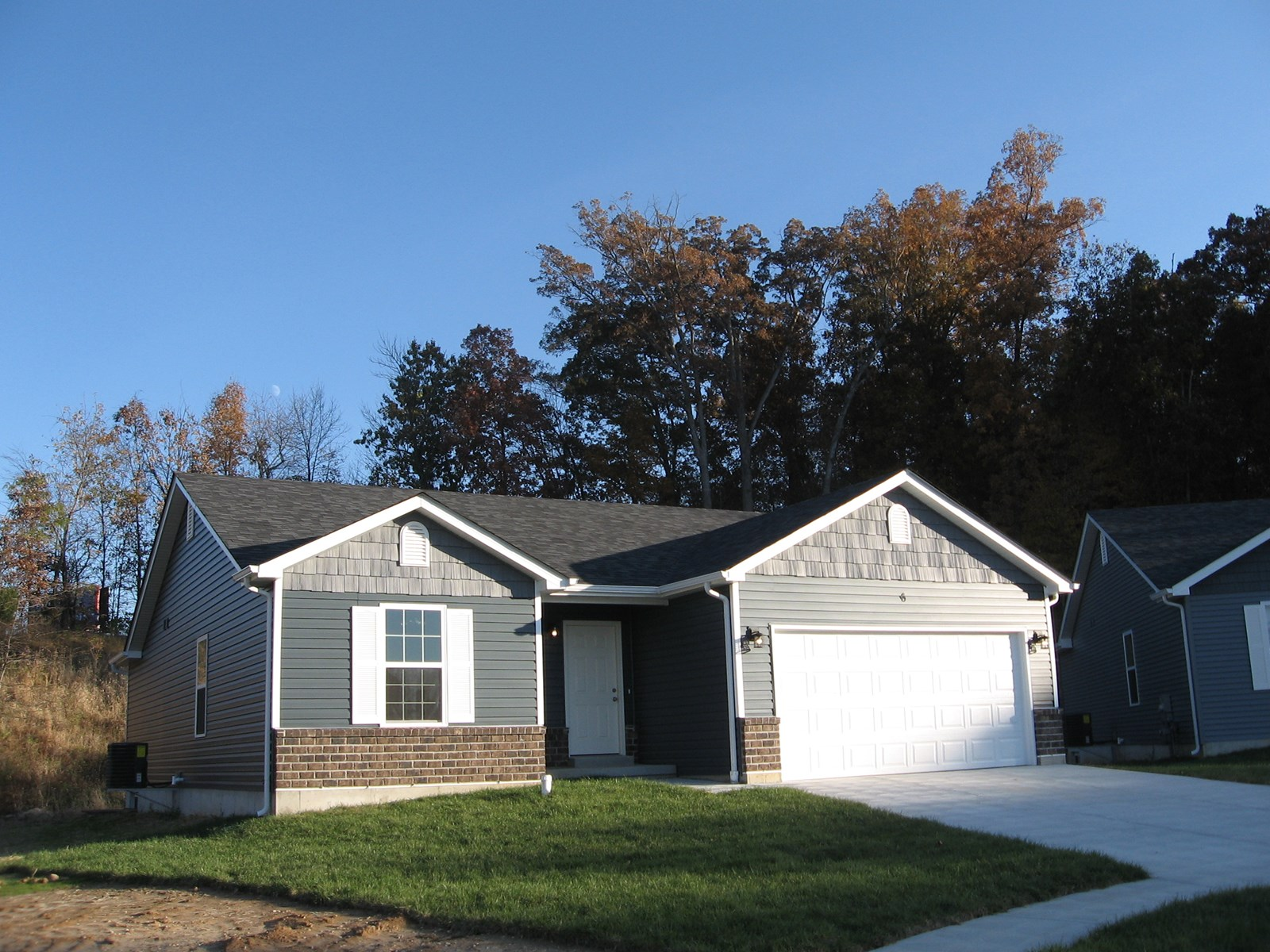 NEW CONSTRUCTION WITH IMMEDIATE POSSESSION: